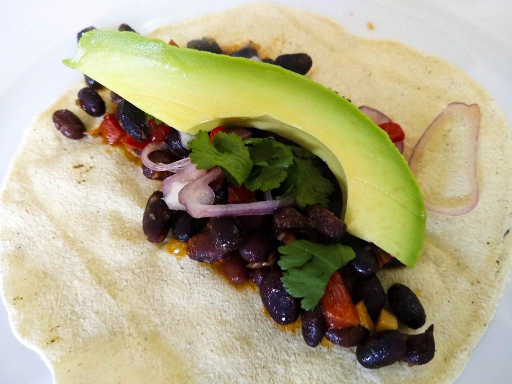 Maistacos mit schwarzen Bohnen